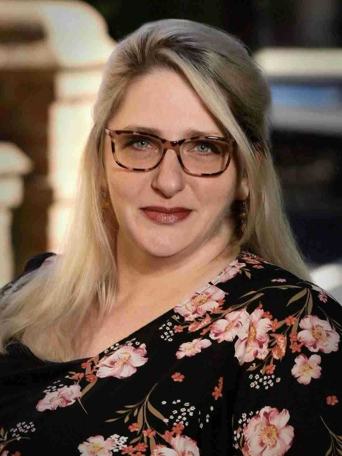 Beth Mullet